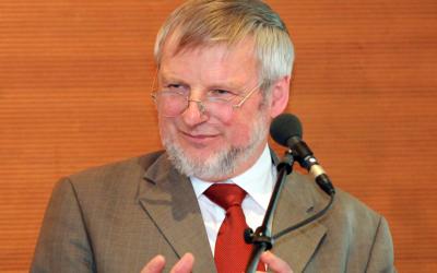Die Stiftung West-Östliche Begegnungen trauert um ihren langjährigen Vorsitzenden und Ehrenvorsitzenden Dr. Helmut Domke